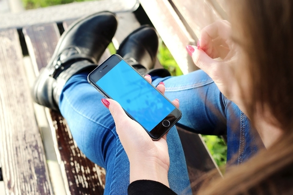 smartphone marketing examples