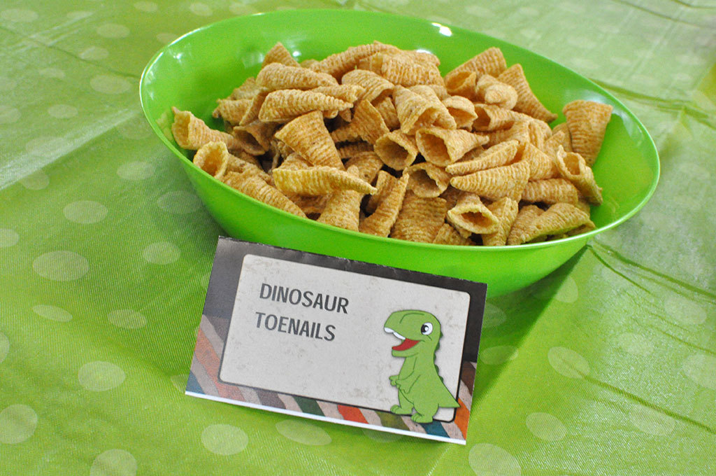 dinosaur party menu example