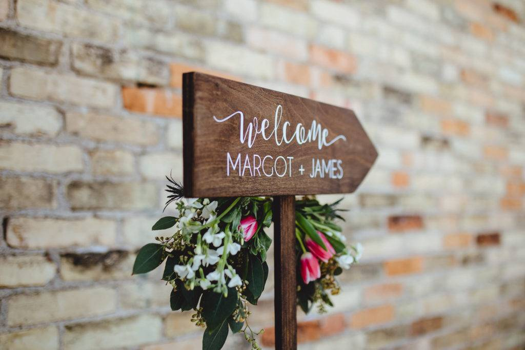 personalized wooden welcome signage design example 1024x683